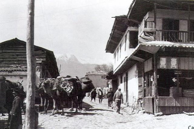 Develer Yüz yıl Sonra Denizli sokaklarında