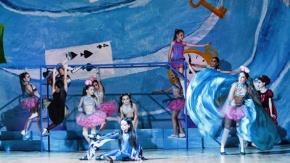 TUANA Bale ve PAHOY 'Alice Harikalar Diyarında' ile fırtına gibi esti