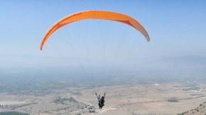 Denizli#039;de Şehit ve gazi yakınlarının yamaç paraşütü keyfi