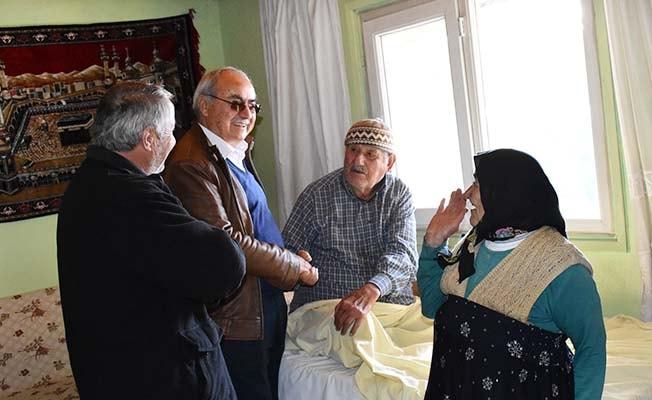 Başkan Gülsever hasta ve yaşlıları ziyaret etti