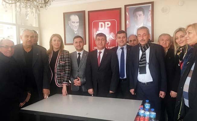 CHP heyeti Demokrat Parti'yi ziyaret etti