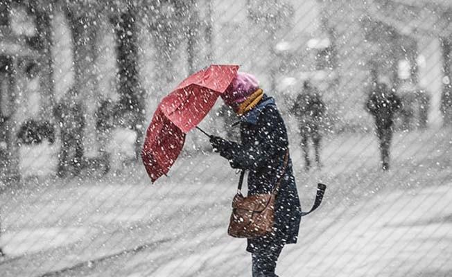 Kar, Denizli'de yerini yağmura bırakıyor