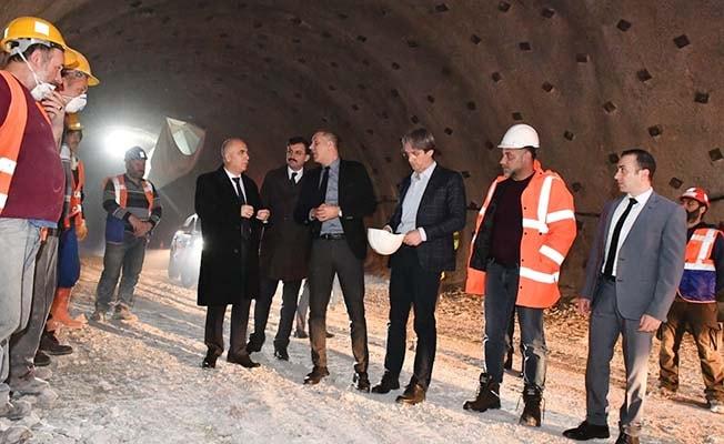 Vali Karahan Honaz Tünelinde incelemelerde bulundu