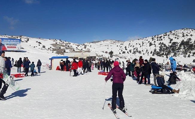 Denizli'nin hafta sonu keyfi; Bozdağ Kayak Merkezi