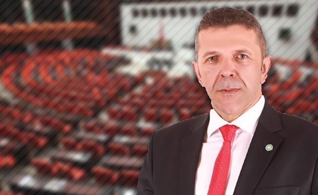 Öztürk'ten Arefe Günü için kanun teklifi