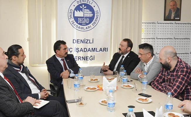 Pamukkale Belediye Başkan Adayı Divarcı DEGİAD'ı ziyaret etti