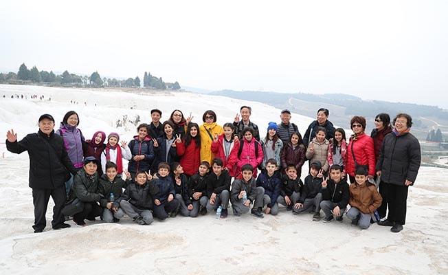 Pamukkale'de öğrenciler kenti tanıyıp dünya ile köprüler kuruyor