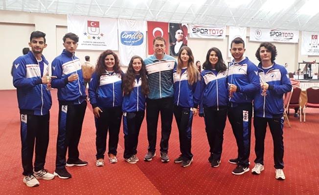 PAÜ Öğrencileri Bilek Güreşi Şampiyonası'ndan madalyayla döndü