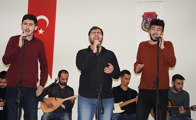PAÜ THM topluluğu Cezaevinde konser verdi