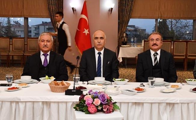 Vali Yardımcıları Ali Cergibozan ve Kemal İnan'a veda yemeği