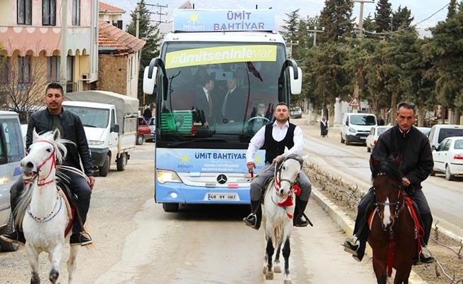 Bahtiyar'ı Atlı Konvoyla Karşıladılar