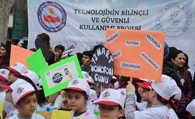 Denizli'de '13 Mart Pamukkale Nomofobi Günü' etkinlikleri