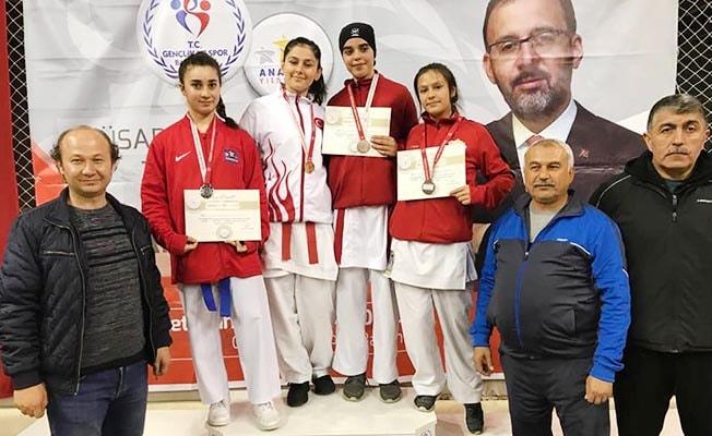 Denizli Kız Karate Takımı final biletini kaptı