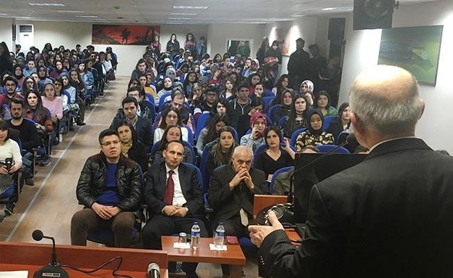 PAÜ'de 'Milletin Sesi Mehmet Akif' konferansı