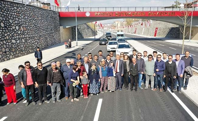 Yeni Cadde trafiğe açıldı