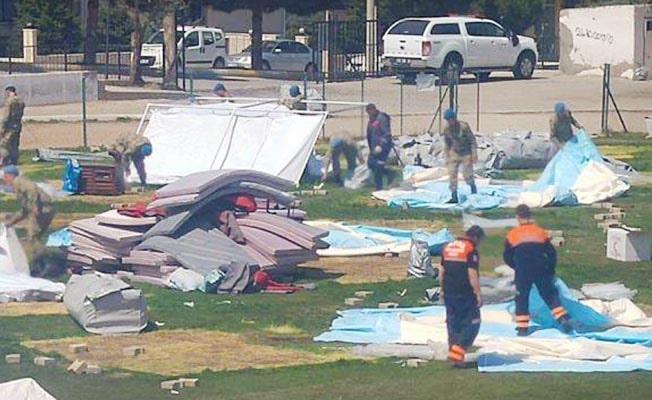 Acıpayam'da çadırlar toplanmaya başladı
