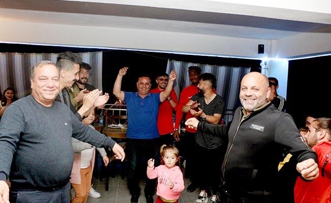 Çal Garası, şampiyonluğu doyasıya kutladı