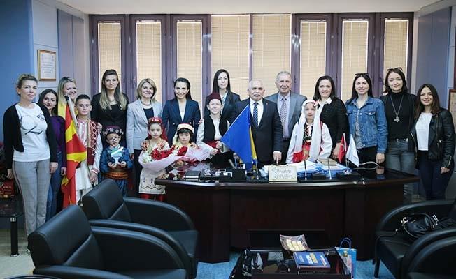 Dünya çocukları, Büyükşehir'i ziyaret etti