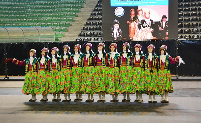 Halk Oyunları Yıldızlar Türkiye Şampiyonası'nda ekipler büyüledi