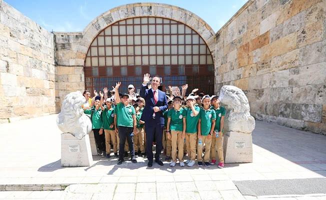 Başkan Örki öğrencilerlerle müzeleri gezdi