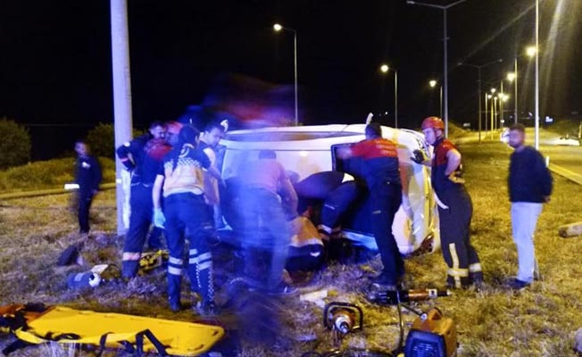 Çivril'de korkunç kaza: 2 ölü 5 yaralı