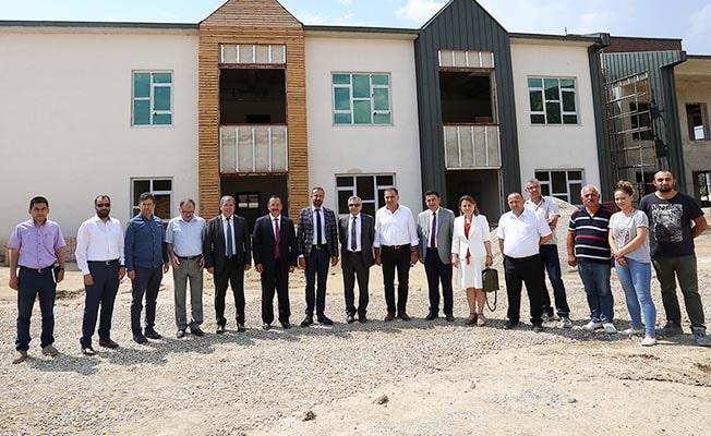 Rektör Bağ, Karahayıt Fizik Tedavi ve Rehabilitasyon Hastanesi inşaatını inceledi