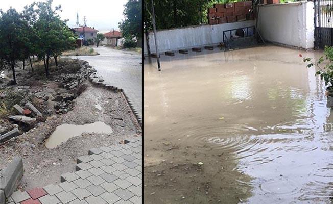 Şiddetli yağış Çardak'ta etkili oldu