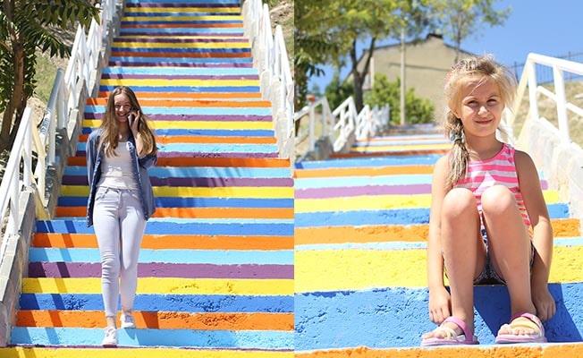 Merkezefendi'nin merdivenleri rengârenk