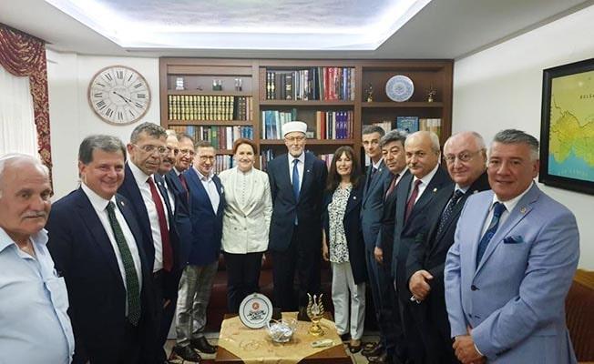 Öztürk, Akşener'le birlikte Gümülcine'de