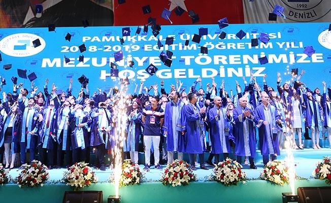 PAÜ, 10 Bin öğrencisini mezun etti