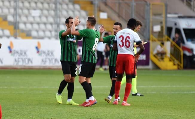 Yukatel Denizlispor hazırlık maçında 2-2 berabere kaldı