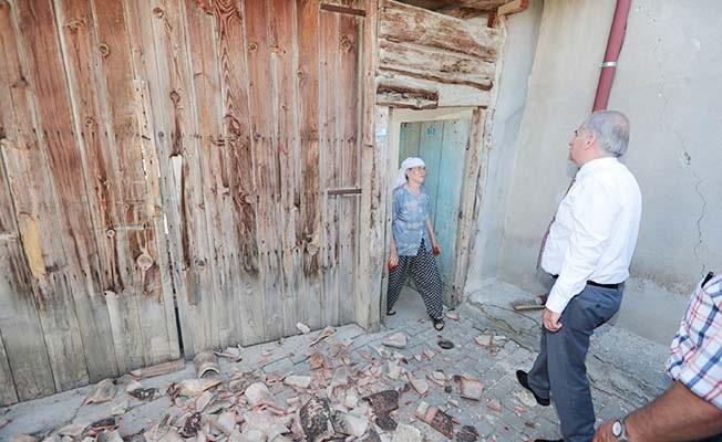 Büyükşehir ekipleri deprem bölgesinde