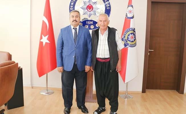 Müdür Demir'den Çirvrilli Kemal Bayram'a 'memleket' hediyesi