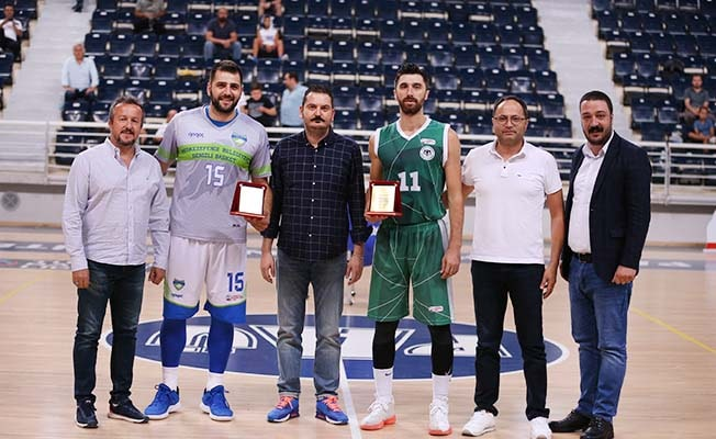 4'lü turnuvada şampiyon Denizli Basket