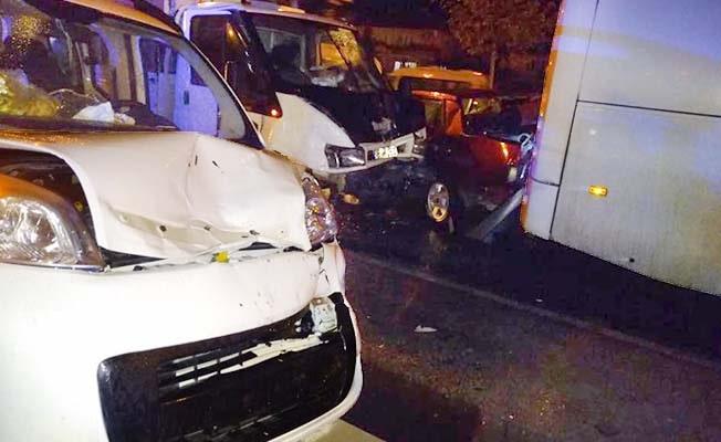 Honaz'da zincirleme kaza: 4 yaralı