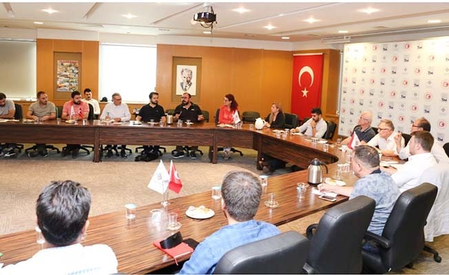 """Memişoğlu; """"Hedefimiz ihracatçı sektörlerimizi güçlendirmek"""""""
