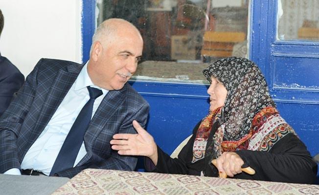 Vali Karahan Acıpayam'da depremzedeleri dinledi