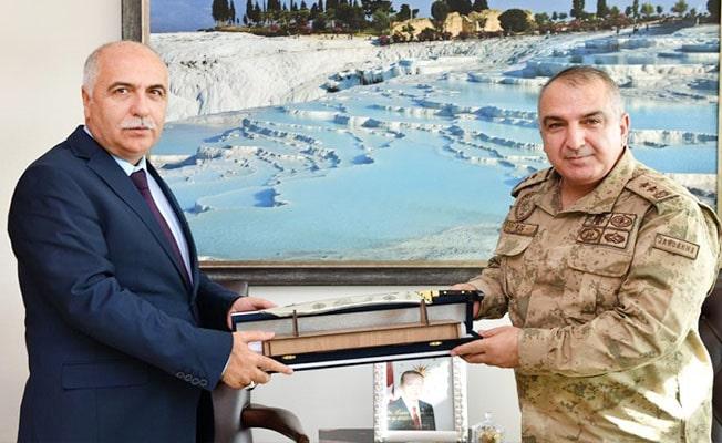 Tümgeneral Koç Vali Karahan'ı ziyaret etti