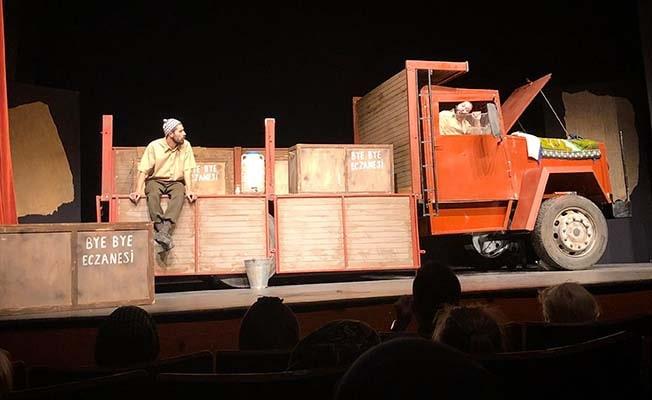 Büyükşehir Tiyatrosu 'Kamyon'u Konya'da sahneledi