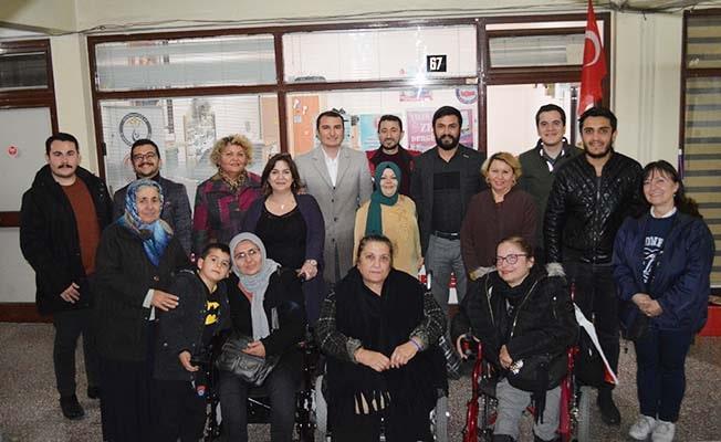 Dünya Engelliler Gününde yalnız bırakmadılar