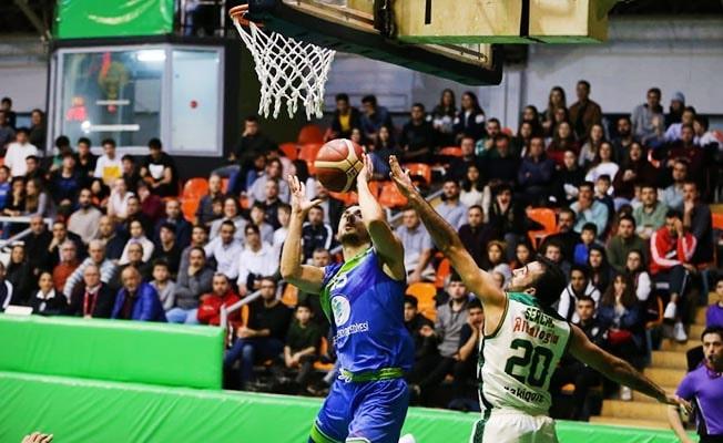 Merkezefendı Basket lideri ağırlıyor