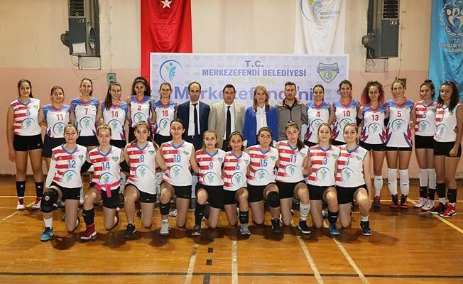 Merkezefendi Belediyesi Kadın Voleybol Takımı'nda hedef 2. Lig