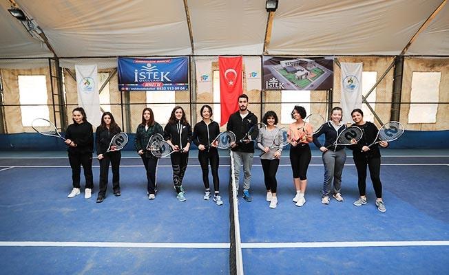 Pamukkale'de ücretsiz spor kurslarına ilgi büyük
