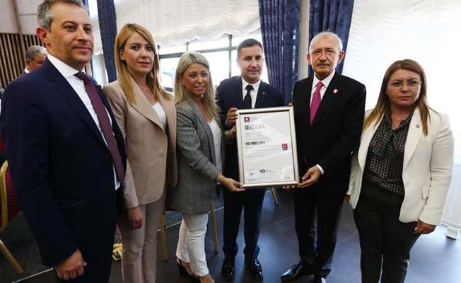 Türkiye'de bir ilk: İlçe örgütüne Siyasette ISO 9001 Kalite Belgesi