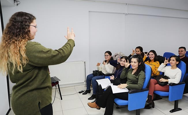 Pamukkale'de ücretsiz İşaret Dili Kursu başvuruları başladı