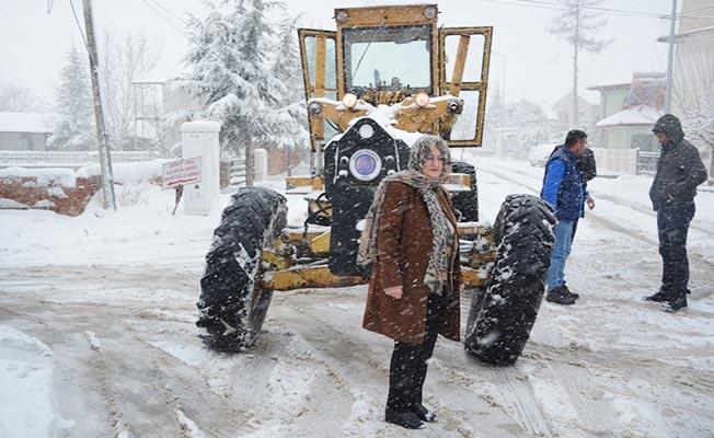 Bozkurt'ta bazı mahallelerde kar kalınlığı 30 cm'yi geçti
