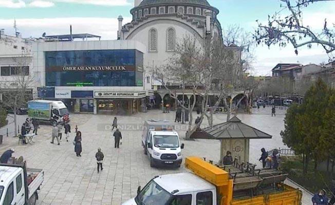 Bayramyeri Meydanındaki banklar kaldırıldı