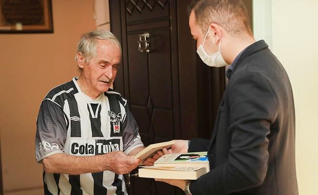 Pamukkale Belediyesi'nden evlere kitap servisi