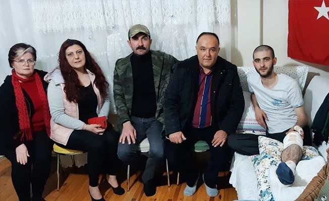 Sosyal medya yöneticilerinden İdlib Gazisine ziyaret