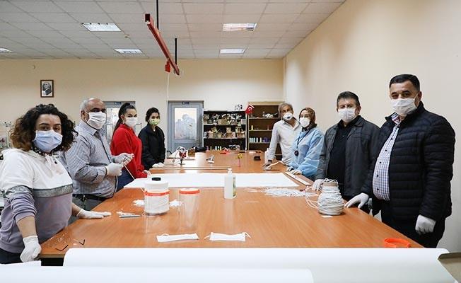 Koronavirüsle mücadeleye destek için tezgâhların başına geçtiler